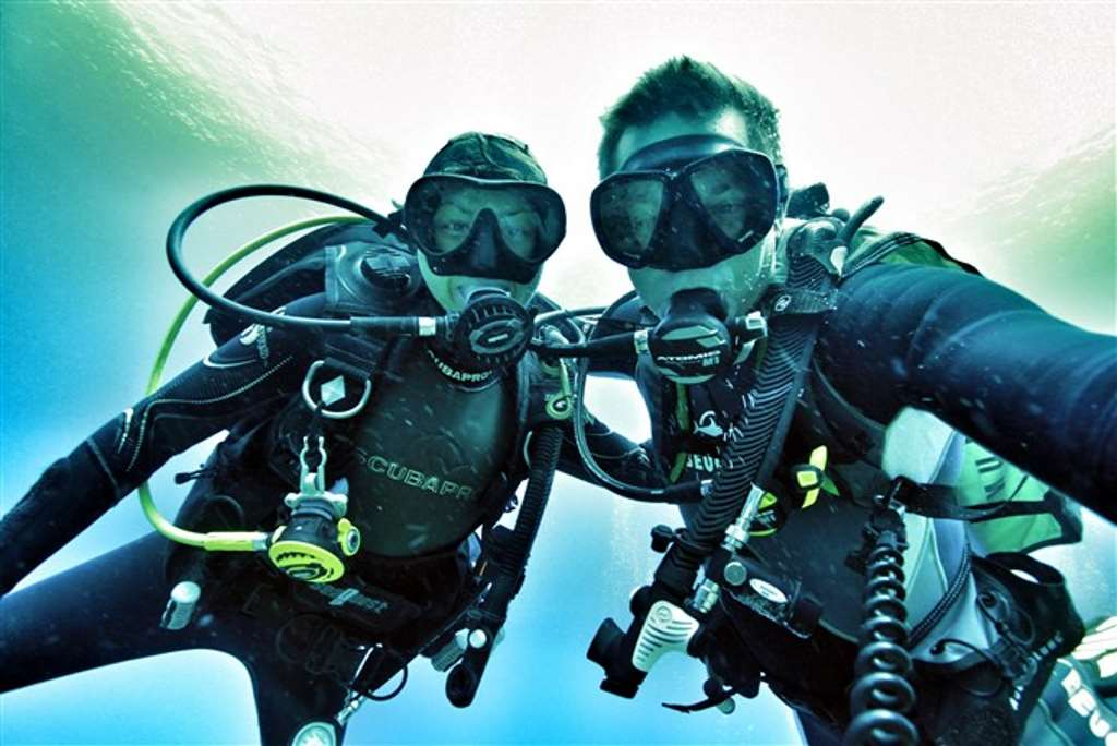 HOW TO DIVE SAFELY IN BALI