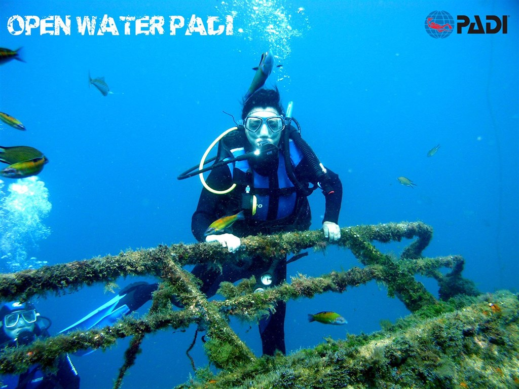 SIX REASONS WHY TO BECOME A CERTIFIED PADI OPEN WATER DIVER