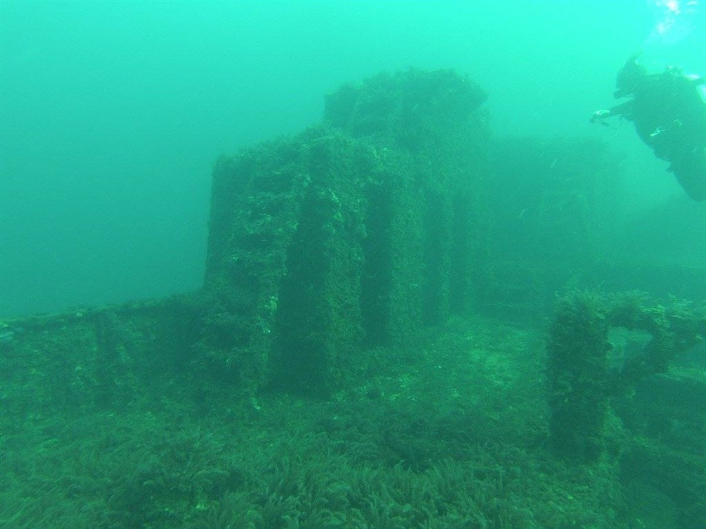 "Scuba Diving Photo in South Australian ""Dredge"" in Australia"