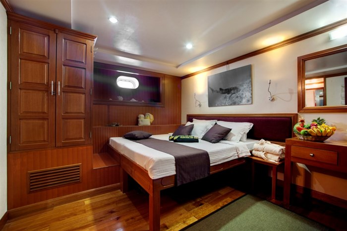 Lower Deck Twin/Double Cabin