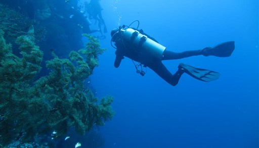 Scuba diving in Lekuan 2 in Indonesia